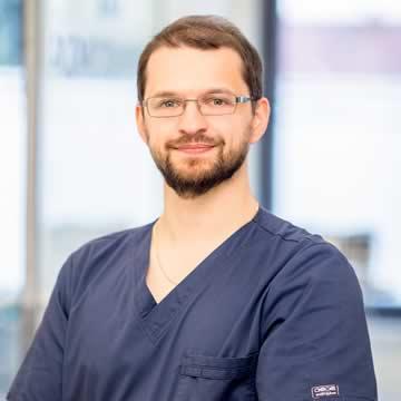 Dr nauk med. Łukasz Salomon